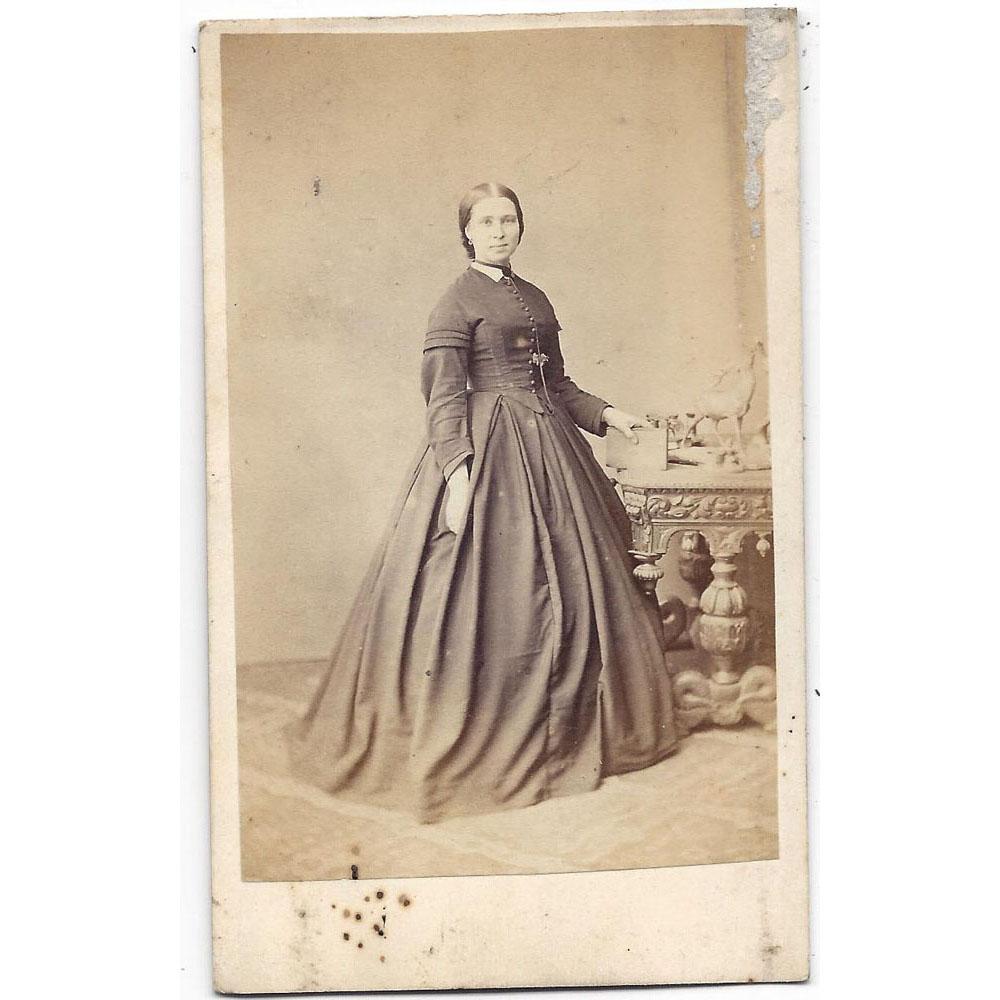 Details About CDV Victorian Lady Carte De Visite Photograph